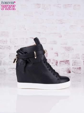 Czarne skórzane sneakersy ze złotymi dodatkami Gold Avenue