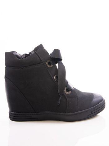 600e1e51b3 Czarne sneakersy Vinceza z ozdobnym sznurowaniem tasiemkami