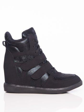 Czarne sneakersy z cholewką za kostkę zapinane na rzepy i mieniącymi się wstawkami
