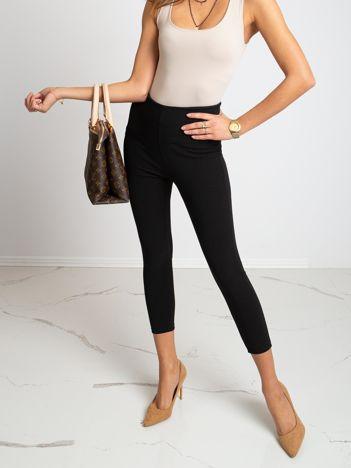 Czarne spodnie Qestion