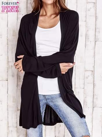 Czarny długi sweter z tiulowym wykończeniem