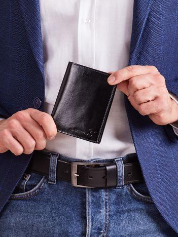 Czarny miękki skórzany portfel męski