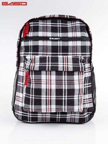 Czarny plecak szkolny w kratkę