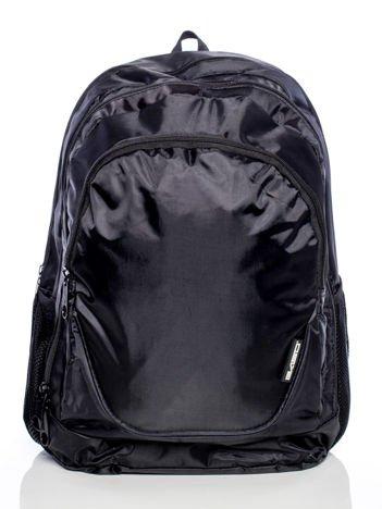 Czarny plecak szkolny z bocznymi kieszeniami
