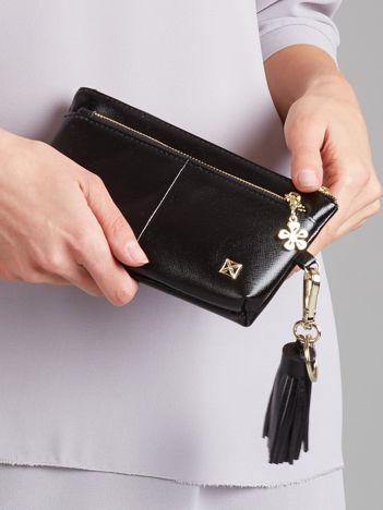 Czarny portfel-saszetka ze skóry