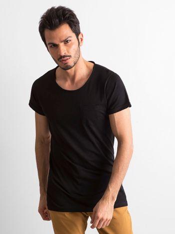 Czarny t-shirt męski z kieszonką