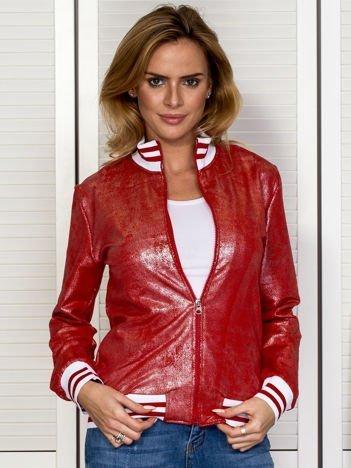Czerwona bluza z błyszczącym printem