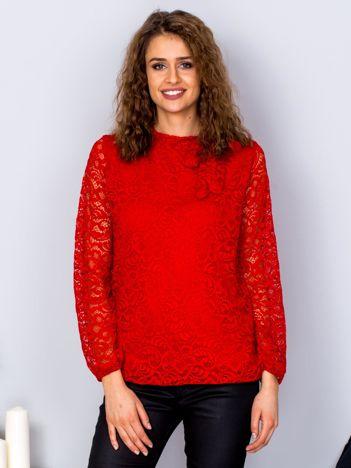 Czerwona koronkowa bluzka z wiązaniem