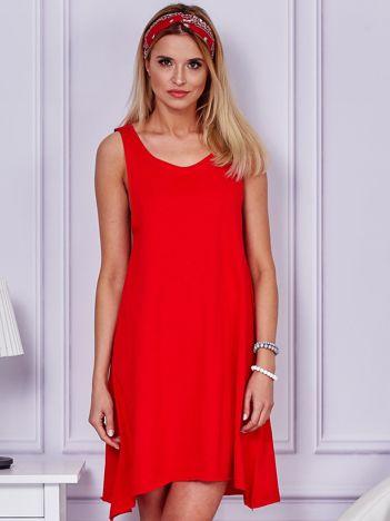 Czerwona luźna sukienka