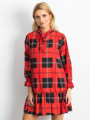 Czerwona sukienka damska w kratę