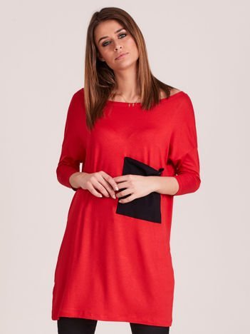 Czerwona tunika o luźnym kroju z kieszenią