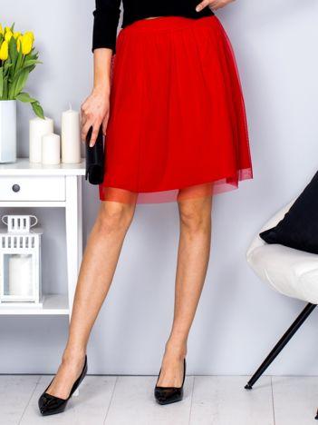 Czerwona warstwowa spódnica z tiulem