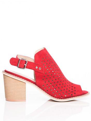 Czerwone ażurowe sandały Sergio Leone na szerokim klock