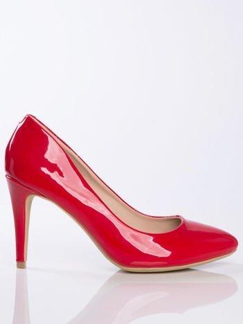 Czerwone lakierowane czółenka z migdałowym noskiem