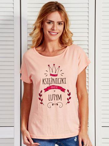 Damski t-shirt KSIĘŻNICZKI RODZĄ SIĘ W LUTYM brzoskwiniowy