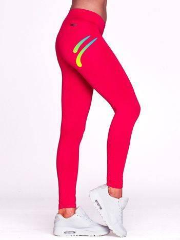 Długie legginsy sportowe z cieniowanym logo fuksjowe