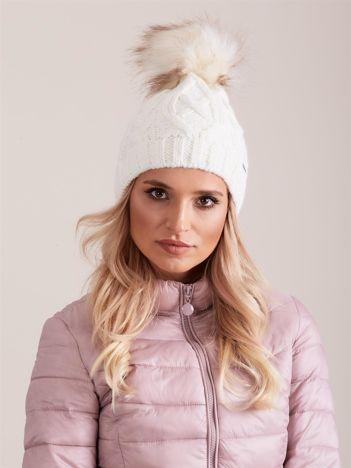 Ecru czapka zimowa damska