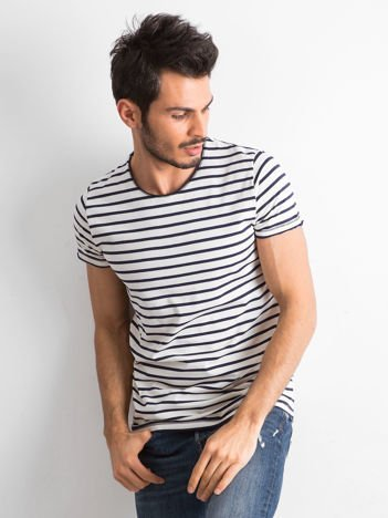 Ecru-granatowy t-shirt w paski dla mężczyzny
