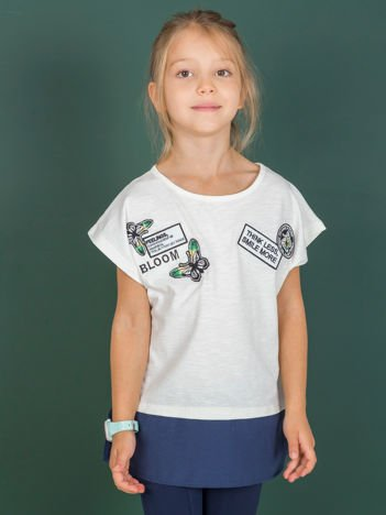 Ecru t-shirt dla dziewczynki z naszywkami