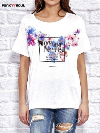 FUNK N SOUL Biała bluzka z kwiatowym motywem