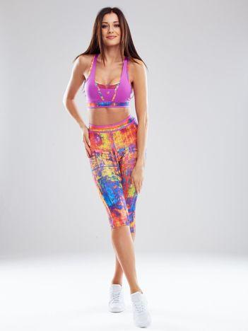 Fioletowy komplet sportowy w kolorowe wzory
