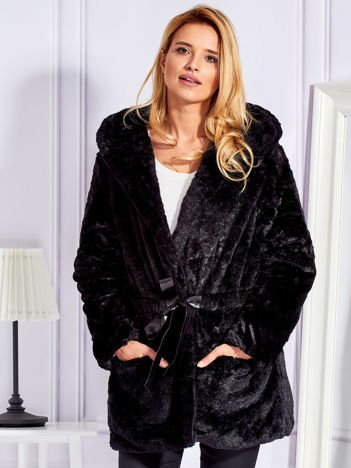 Futrzana kurtka z paskiem czarna