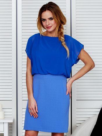 Gładka sukienka z łączonych materiałów niebieska