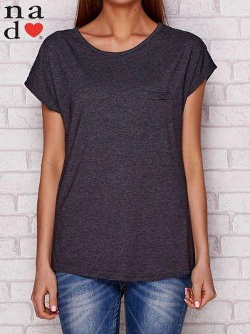 Gładki t-shirt z kieszonką ciemnoszary