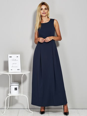 Granatowa długa sukienka wieczorowa z siateczkowym dekoltem z tyłu