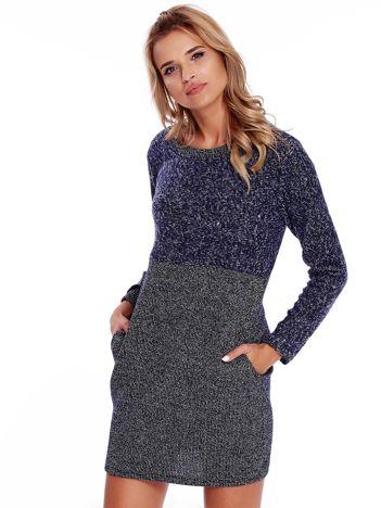 Granatowa sukienka dzianinowa z kieszeniami