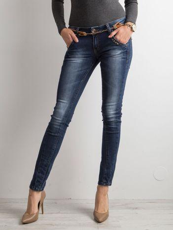 Granatowe jeansy biodrówki
