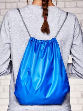 Granatowy plecak typu worek gładki