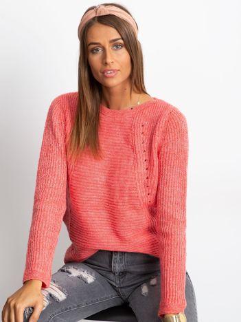 JUST LOU Koralowy sweter z ażurowaniem