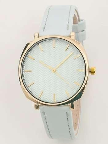 Jasnobłękiny zegarek damski