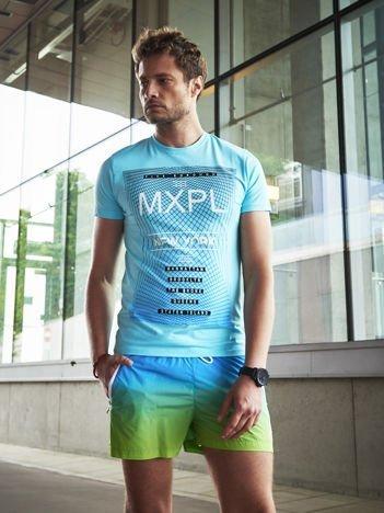 Jasnoniebieski t-shirt męski z nadrukiem w miejskim stylu