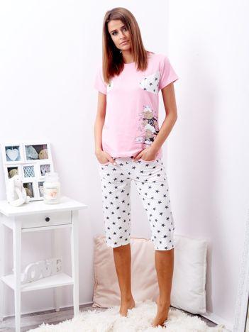 Jasnoróżowa piżama w gwiazdy
