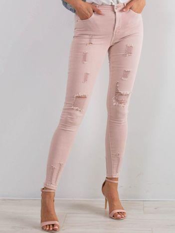 Jasnoróżowe jeansy Lifestyle