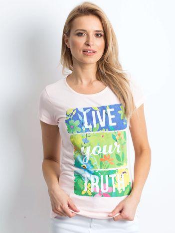 Jasnoróżowy t-shirt Versatile
