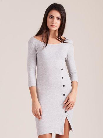 Jasnoszara prążkowana sukienka z rozcięciem
