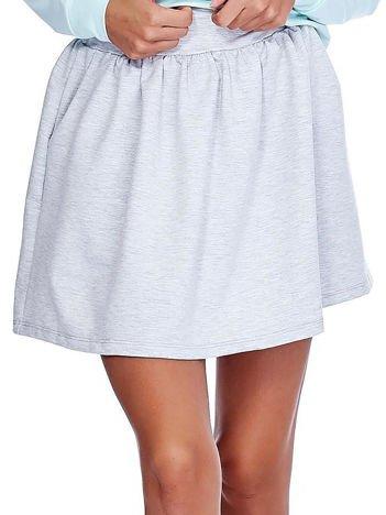 Jasnoszara rozkloszowana dresowa spódnica z kieszeniami