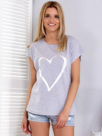 Jasnoszary t-shirt z srebrnym sercem