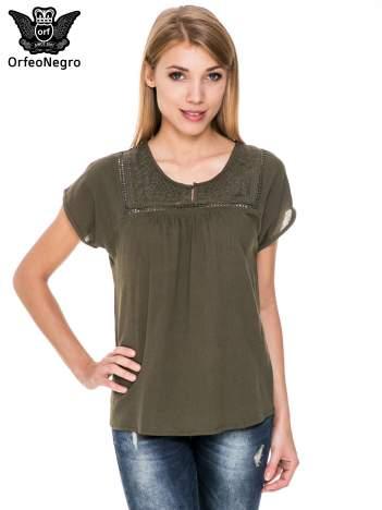 Khaki bluzka koszulowa z haftem i ażurowaniem przy dekolcie