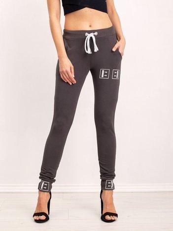 Khaki spodnie Alluring