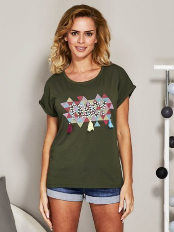 Khaki t-shirt z koralikową aplikacją