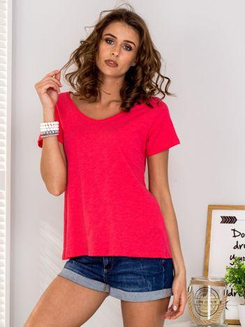 Koralowy t-shirt V-neck