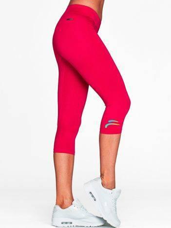 Krótkie legginsy sportowe z logo fuksjowe