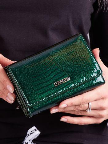 Lakierowany portfel ze skóry zielony
