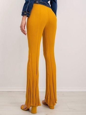 Musztardowe spodnie BSL