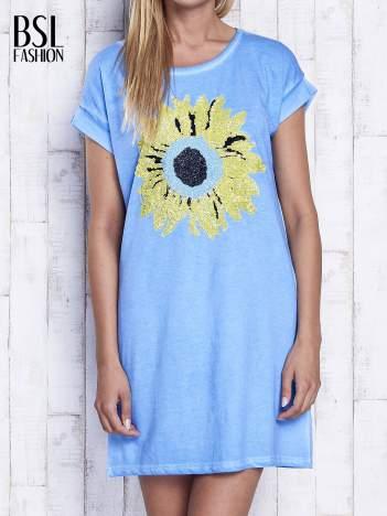 Niebieska dekatyzowana sukienka z cekinowym słonecznikiem