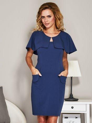 Niebieska sukienka koktajlowa z narzutką